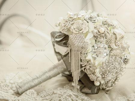 新娘拍婚紗必備配件,超奢華璀璨的珠寶捧花讓你的閃耀眾人的雙眼