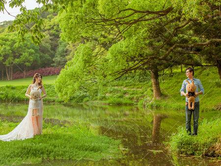 充滿滿滿的幸福回憶:選擇適當的紀念品結合婚紗照
