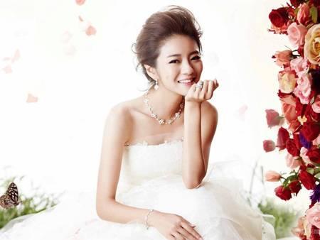 戲劇女王安以軒閃嫁CEO賭王!在義大利拍的婚紗照也一起曝光啦!