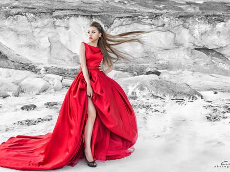 甚麼叫做岩岸系婚紗?喜愛挑戰極限的你,來這讓你一次看個夠