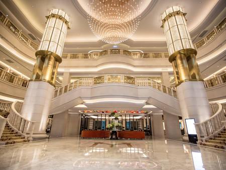 【台北婚宴場地】想要皇宮般的類婚紗?美福大飯店光大廳就能讓你拍到爽