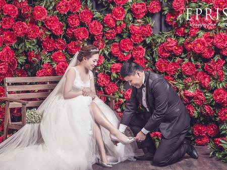 別以為婚紗蓋著,婚鞋就不重要!盤點婚鞋登場的10大動人時刻♥