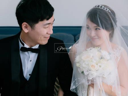 看見新娘穿上婚紗的那瞬間 是感動?還是害羞、驚喜?