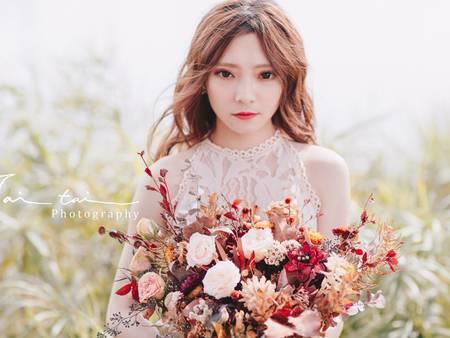 婚紗照也想仙氣飄飄?迷人「紅色眼妝」搭配秋冬場景,100%仙女下凡♥