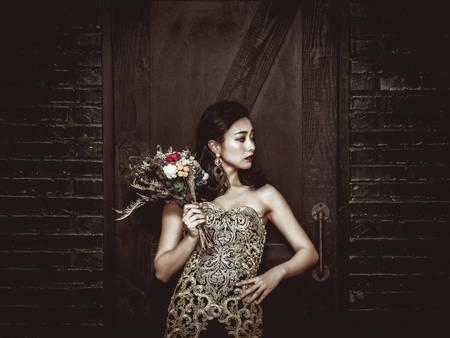 姊就是霸氣!從拍婚紗、妝容、捧花到佈置 為自己規劃一場「女王風」婚禮吧❤
