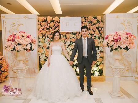 婚佈拚時尚!2019代表色,滿滿珊瑚橘的絕對浪漫♥