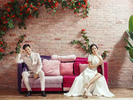 日本「令和」代表色!讓自己的婚紗也充滿梅、堇、櫻色調吧❤