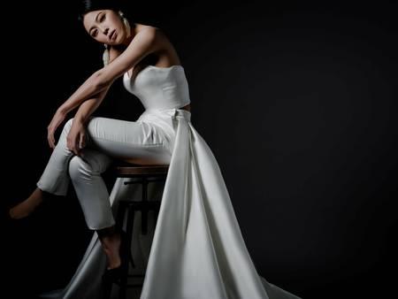 誰說白紗不可以酷而美?「褲裝婚紗」展現一身俐落好個性