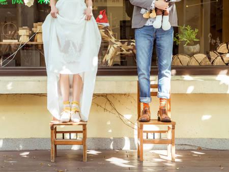 不會穿高跟鞋沒關係!選這2款「平底婚鞋」一樣也能穿出優雅和美麗♥