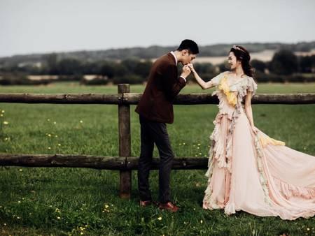 不輸紅毯上穿著!楊千霈飛法國「拍婚紗」展現法式絕美浪漫~