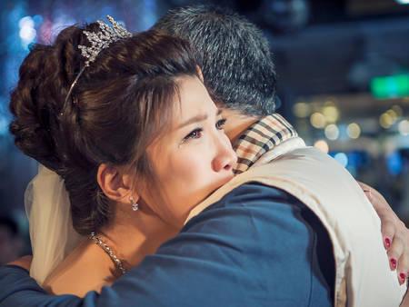 婚禮這些儀式流程每看必哭!尤其這一幕別忘了把面紙準備好~(抽)