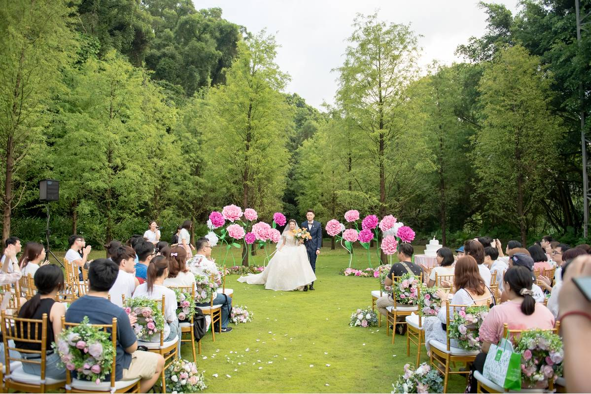 落羽松森林戶外證婚,很適合喜歡小型溫馨婚宴的新人。