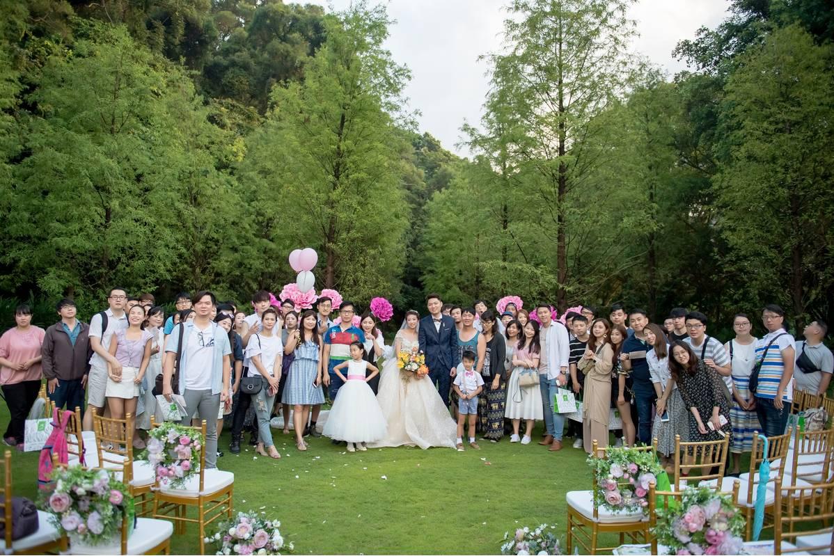 這次參加青青舉辦的「森林派對婚體日」更加深小編想舉辦戶外婚禮的決心!