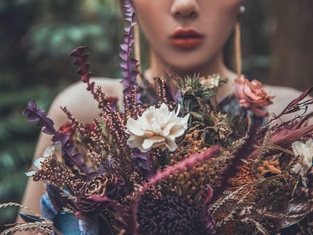 莫蘭迪色調捧花~降低彩度 讓新娘的美更突出!