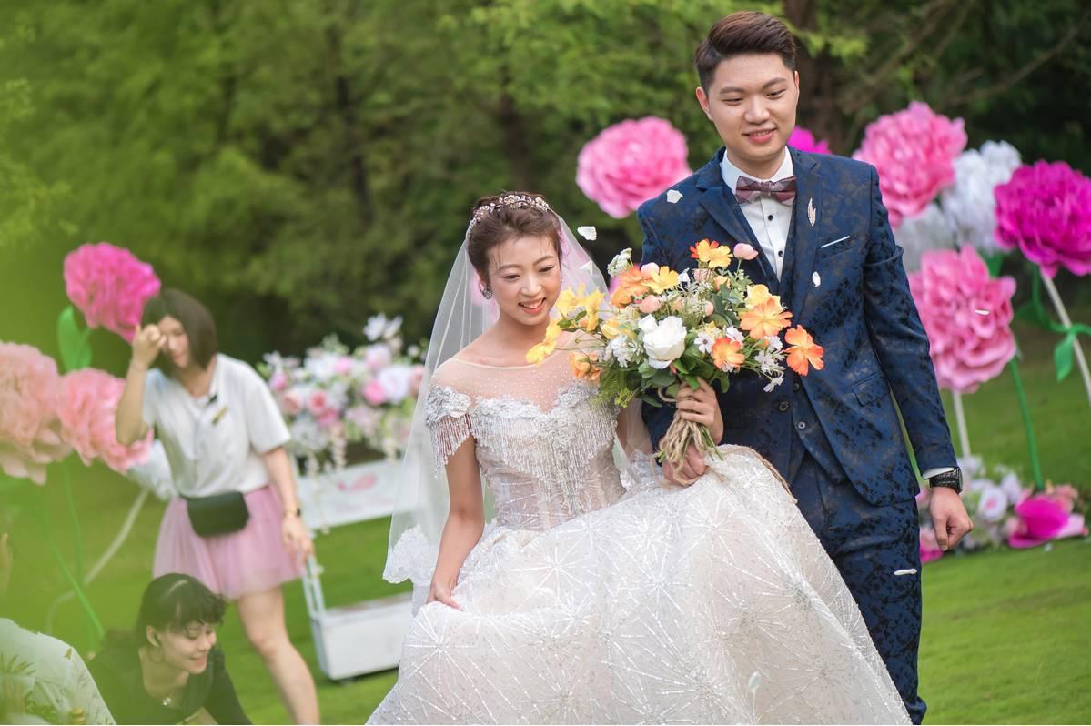 一起在落羽松的見證下,完成我們的婚禮