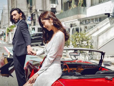一起漫步在街頭!猶如電影劇照般 街頭時尚婚紗照正夯~