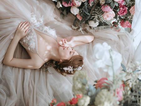 2021「春夏婚紗」這樣挑就對了!中壢艾杰仕婚紗工作室 5大性感穿搭提案